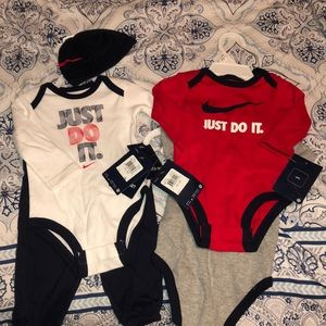 Nike baby sets of clothing (size: 3-6 months)